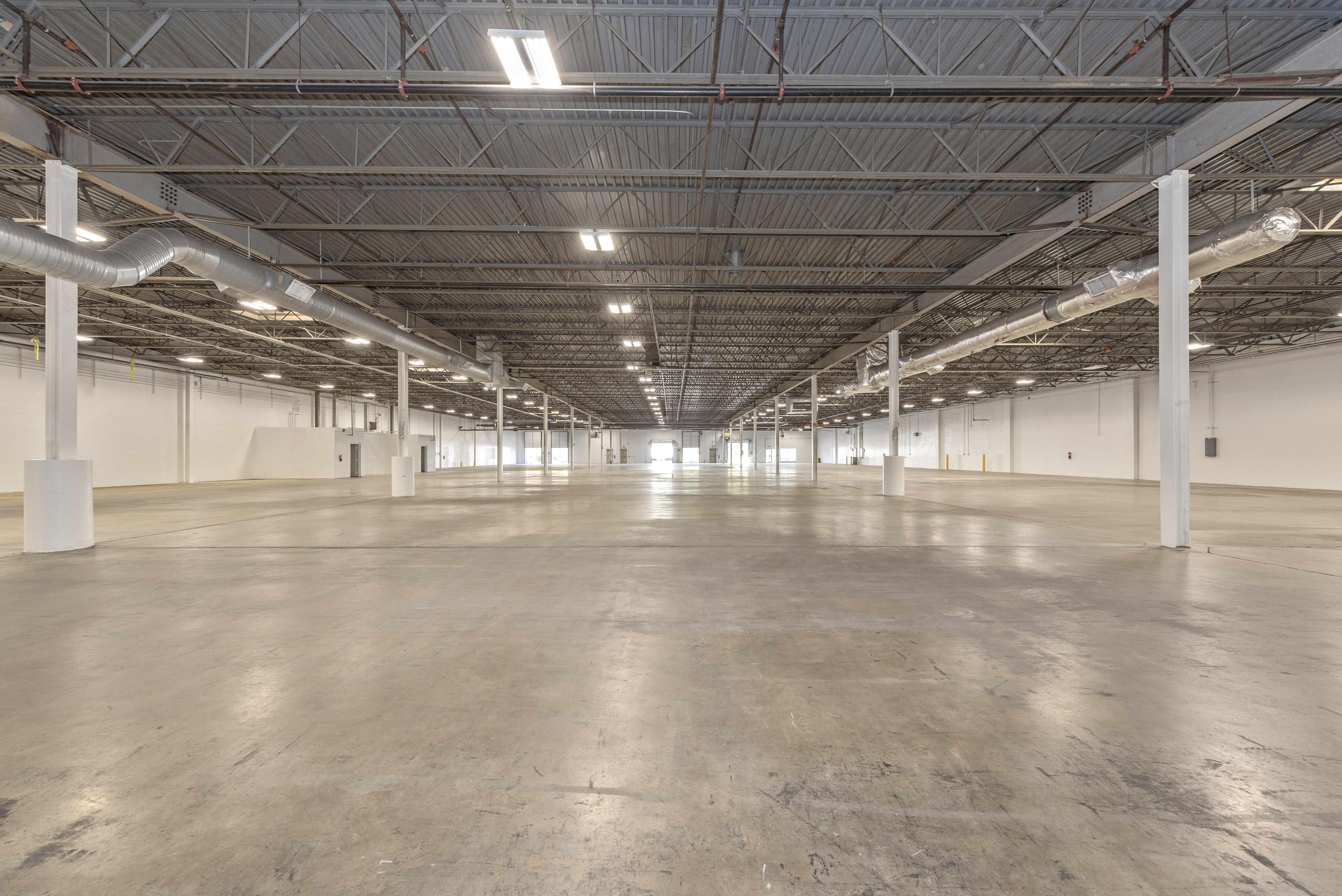 200 Monroe Center - 40K SF Newly Refreshed Warehouse