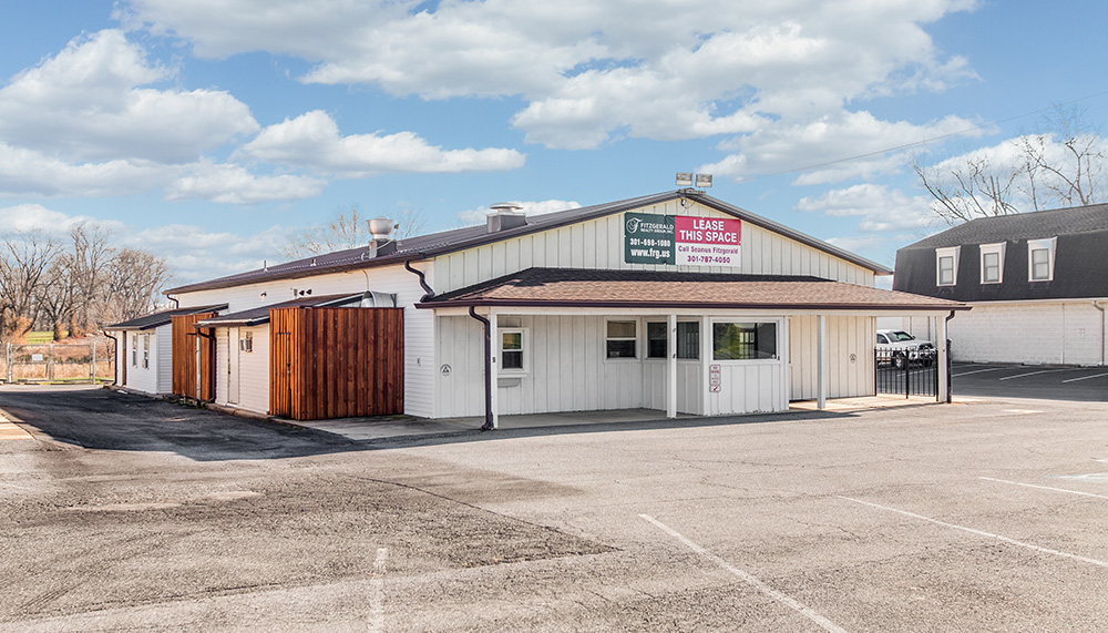 7800-B Biggs Ford Road - 2nd Generation Restaurant For Lease - 1,555± RSF